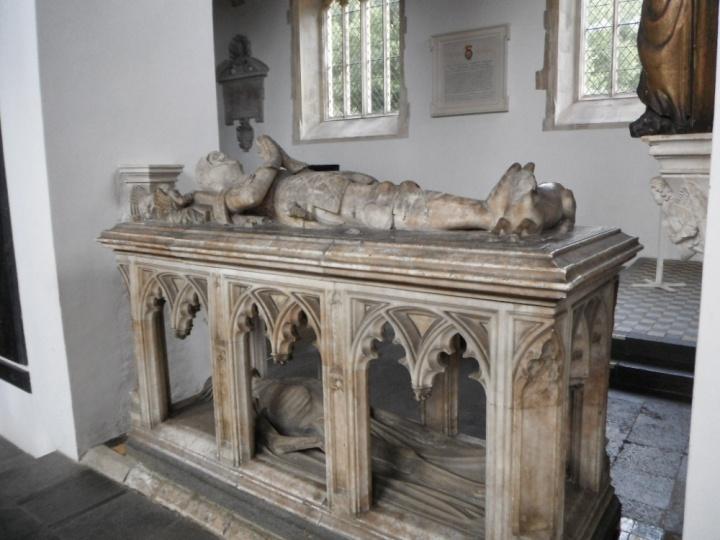 transi tomb Fitzallan chapel Arundel castle